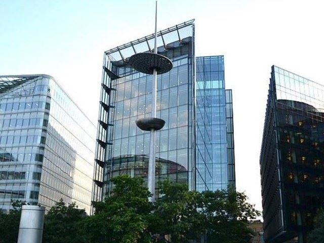 Office space for rent in london bridge cbre commercial - Small office space london property ...