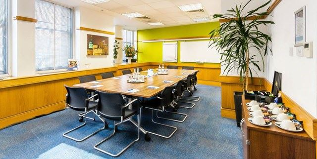SERVICED-OFFICES-VICTORIA-MEETING-ROOM